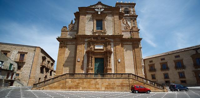 Дуомо - кафедральный собор в Пьяцца Армерина, Сицилия